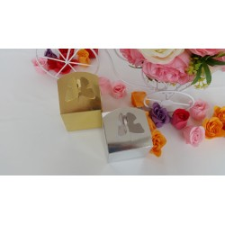 Marturie carton cutiuta cu fluture